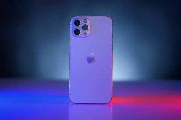 تمام برندهای تجاری بزرگ موبایل به جز اپل با مشکل کمبود چیپ مواجه هستند